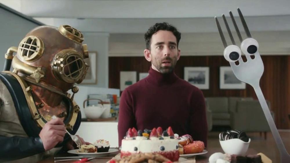 Realtor.com TV Commercial, 'Dream Dining Room' Featuring Elizabeth Banks