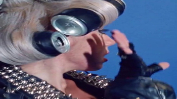 Pepsi Super Bowl 2017 Teaser, 'Countdown: 10 Days: Paws Up Little Monsters' - Thumbnail 5