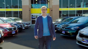 CarMax TV Spot, 'Confidence' Featuring Andy Daly - Thumbnail 5