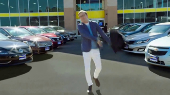 CarMax TV Spot, 'Confidence' Featuring Andy Daly - Thumbnail 6
