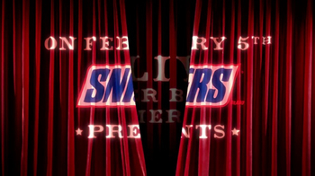 Snickers Super Bowl 2017 Teaser, 'Curtains' - Thumbnail 2