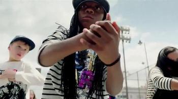 H&M TV Spot, 'Back to School: School Yard Dance Off' - Thumbnail 4