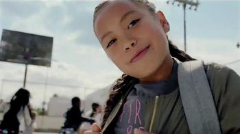 H&M TV Spot, 'Back to School: School Yard Dance Off' - Thumbnail 8