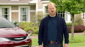 2017 Chrysler Pacifica TV Spot, 'Rising Star' Featuring Jim Gaffigan - Thumbnail 10