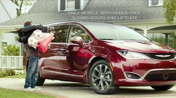 2017 Chrysler Pacifica TV Spot, 'Rising Star' Featuring Jim Gaffigan - Thumbnail 2