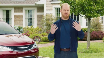 2017 Chrysler Pacifica TV Spot, 'Rising Star' Featuring Jim Gaffigan - Thumbnail 4