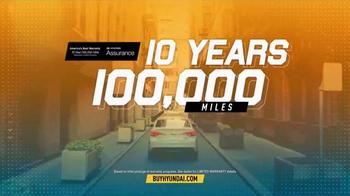 Hyundai Summer Clearance Event TV Spot, 'End of Summer Deals' - Thumbnail 7
