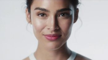 Olay Luminous Light Hydrating Lotion TV Spot, 'Glow' - 2654 commercial airings
