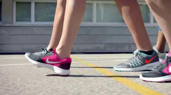 JCPenney TV Spot, 'Regreso a Clases: Nike' [Spanish] - Thumbnail 1