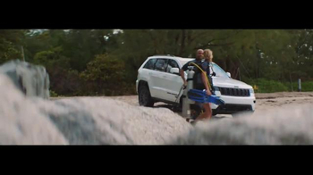 2016 Jeep Grand Cherokee TV Spot, 'The Journey' Song by Morgan Dorr - Thumbnail 3