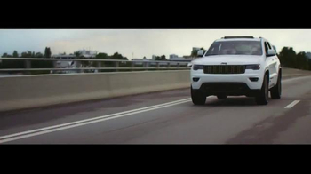 2016 Jeep Grand Cherokee TV Spot, 'The Journey' Song by Morgan Dorr - Thumbnail 4