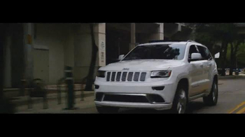 2016 Jeep Grand Cherokee TV Spot, 'The Journey' Song by Morgan Dorr - Thumbnail 7