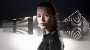 Rimmel London Volume Colourist Mascara TV Spot, 'Darkens Bare Lashes' - Thumbnail 1