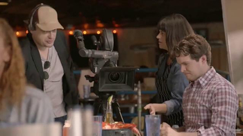 Joe's Crab Shack Corona Lime Steampot TV Spot, 'Comedy Central: Hand Model' - Thumbnail 7