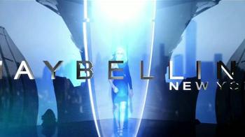 Maybelline New York Master Precise Curvy TV Spot, 'Curvas que tú controlas' con Gigi Hadid [Spanish] - Thumbnail 1