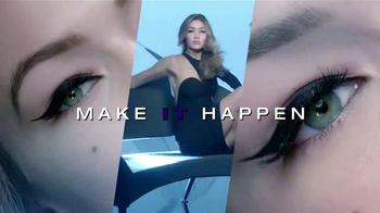 Maybelline New York Master Precise Curvy TV Spot, 'Curvas que tú controlas' con Gigi Hadid [Spanish] - Thumbnail 10