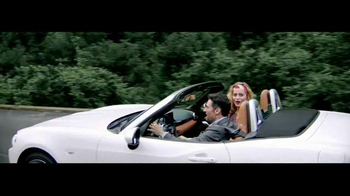 2017 FIAT 124 Spider TV Spot, 'Free Like a Bird' Song by Wyclef Jean - Thumbnail 3