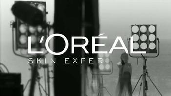 L'Oreal Paris Bright Reveal TV Spot, 'Brilla' con Jennifer Lopez [Spanish] - Thumbnail 8