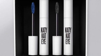CoverGirl Katy Kat TV Spot, 'Cine negro' con Katy Perry [Spanish] - Thumbnail 4
