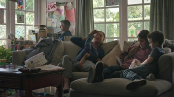 Hulu TV Spot, 'Family Room' - Thumbnail 1