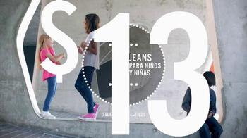 JCPenney Sábado de Penney TV Spot, 'Pantalones de mezclilla' [Spanish] - Thumbnail 4