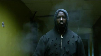 Netflix TV Spot, 'Luke Cage' Song by Ol' Dirty Bastard - Thumbnail 6