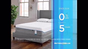 Mattress Firm Sleep Happy Summer Sale TV Spot, 'Queen Sets & Cool Cash' - Thumbnail 8