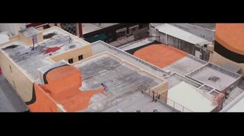 Jeep TV Spot, 'Pintando la ciudad' [Spanish] - Thumbnail 6