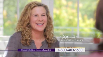 Meaningful Beauty Vitality Oil TV Spot, 'Youthful Look' Ft. Cindy Crawford - Thumbnail 3
