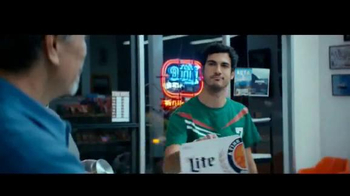 Miller Lite TV Spot, 'Aficionado del fútbol' [Spanish] - Thumbnail 8