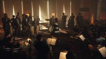 2017 Lincoln MKZ TV Spot, 'Ensemble' Ft. Matthew McConaughey, Sharon Jones - Thumbnail 4