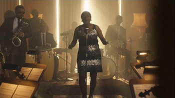 2017 Lincoln MKZ TV Spot, 'Ensemble' Ft. Matthew McConaughey, Sharon Jones - Thumbnail 5