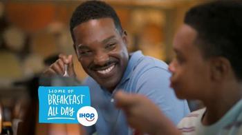 IHOP Paradise Pancakes TV Spot, 'Island Time' - Thumbnail 9