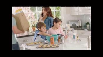Stanley Black & Decker SMARTECH Cordless 2-in-1 Stick Vacuum TV Spot, 'Busy' - Thumbnail 1