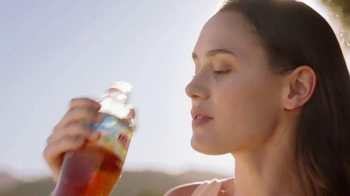 Lipton Iced Tea TV Spot, 'Picnic: What Makes a Lipton Meal?' - Thumbnail 7