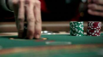 Hotels.com App TV Spot, 'Captain Obvious Hits Las Vegas' - Thumbnail 5