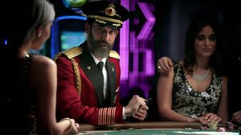 Hotels.com App TV Spot, 'Captain Obvious Hits Las Vegas' - Thumbnail 8