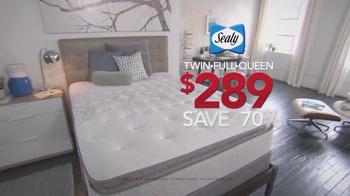 Sleepy's Memorial Holiday Sale TV Spot, 'Final Doorbuster Weekend' - Thumbnail 3