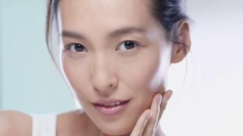 Garnier SkinActive Micellar Cleansing Water TV Spot, 'A Different Way' - Thumbnail 8