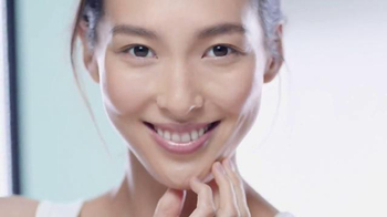 Garnier SkinActive Micellar Cleansing Water TV Spot, 'A Different Way' - Thumbnail 9