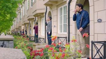One A Day Men's VitaCraves Gummies TV Spot, 'Apple' - Thumbnail 2