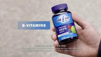 One A Day Men's VitaCraves Gummies TV Spot, 'Apple' - Thumbnail 8