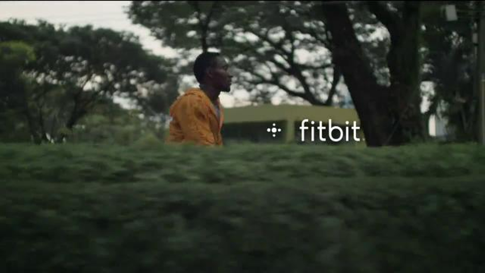 Fitbit TV Commercial, 'Happy Father's Day'