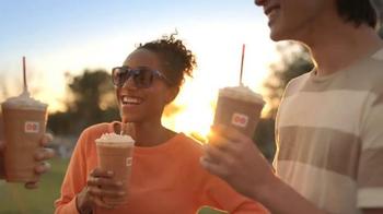 Dunkin' Donuts Hot Chocolate-Frozen TV Spot, 'Split Season' - Thumbnail 8
