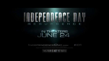 2017 Jeep Grand Cherokee Trailhawk TV Spot, 'Independence Day: Resurgence' - Thumbnail 9