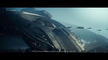 2017 Jeep Grand Cherokee Trailhawk TV Spot, 'Independence Day: Resurgence' - Thumbnail 3
