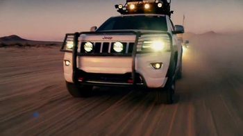 2017 Jeep Grand Cherokee Trailhawk TV Spot, 'Independence Day: Resurgence' - Thumbnail 4