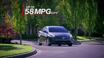 2016 Toyota Prius TV Spot, 'Striking Exterior' - Thumbnail 4