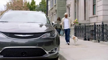 2017 Chrysler Pacifica TV Spot, 'Babe Magnet' Featuring Nick Cannon - Thumbnail 1