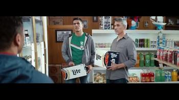 Miller Lite TV Spot, 'Rivalidad' con Oswaldo Sánchez y Cobi Jones [Spanish] - 824 commercial airings